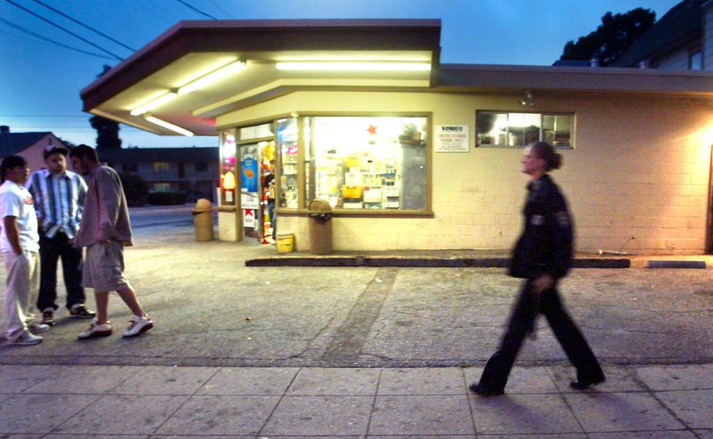 . Elizabeth Butler was a fixture in downtown Santa Cruz during her shifts on foot patrol. (Shmuel Thaler/Sentinel)