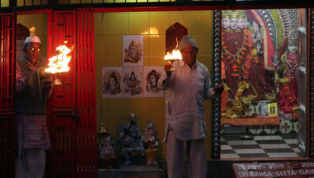 . Lord Shiva\'s likeness is a common sight in Haridwar, India, where Aarti draws thousands each night to place offerings in Ganges at a place named for Shiva called Hari Kapari. Photos by Shmuel Thaler/Santa Cruz Sentinek