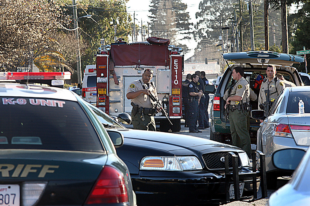 ". Santa Cruz County Sheriff\'s Deputies prepare to join officers from other agencies in securing the shooting scene near N. Branciforte Ave. and Doyle St. Tuesday in Santa Cruz where<a href=""http://www.santacruzsentinel.com/localnews/ci_22674808/breaking-2-officers-1-suspect-shot-santa-cruz\""> two Santa Cruz Police Detectives were shot and later died along with one suspect.</a> (Dan Coyro/Sentinel) Dan Coyro"